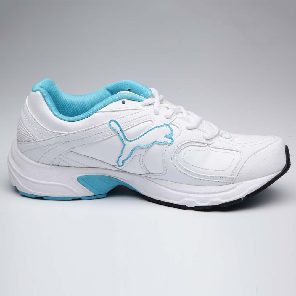 Puma AXIS XT Women Shoes at Rs.1399