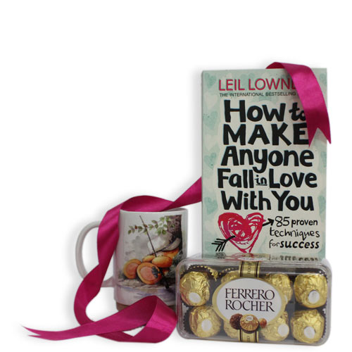 18% off on Fall in Love Gift Hamper