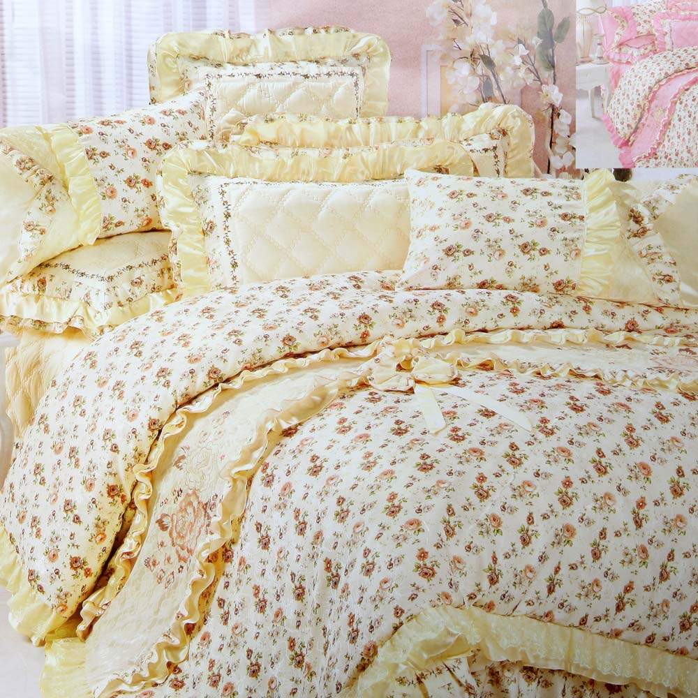 Mesmerize double comforter set at Rs.7699