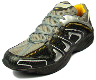Vector X Sports Shoes at Rs.1300