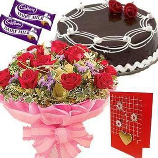 Red Roses with Chocolate Cake at Rs.1025