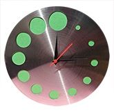Silver queen wall Clock at Rs.394