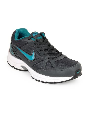 Nike Grey Sports Shoes at Rs.2636