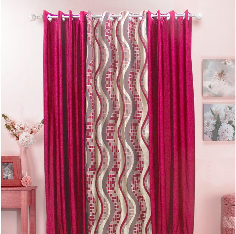 Set of 3 Pcs Dekor Curtain & Eyelet at Rs.1913