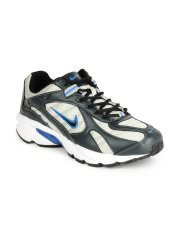 Nike Silver & Black Shoes at Rs.1954