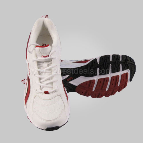 Reebok Runner Shoes at Rs.1850