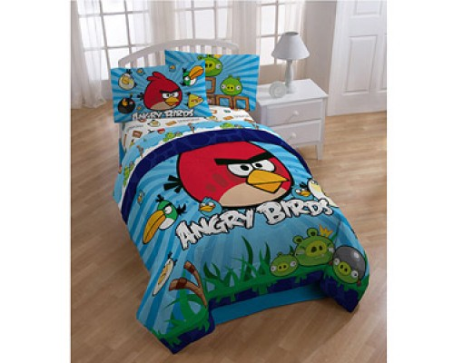 Angry birds dohar/ac comforter at Rs. 899