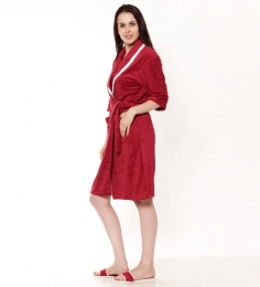 Retro Pool Bath Robe & Bath Slippers at Rs.999