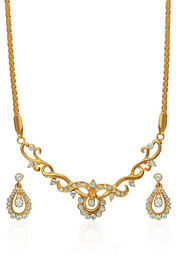ILINA Necklace Set at Rs.899