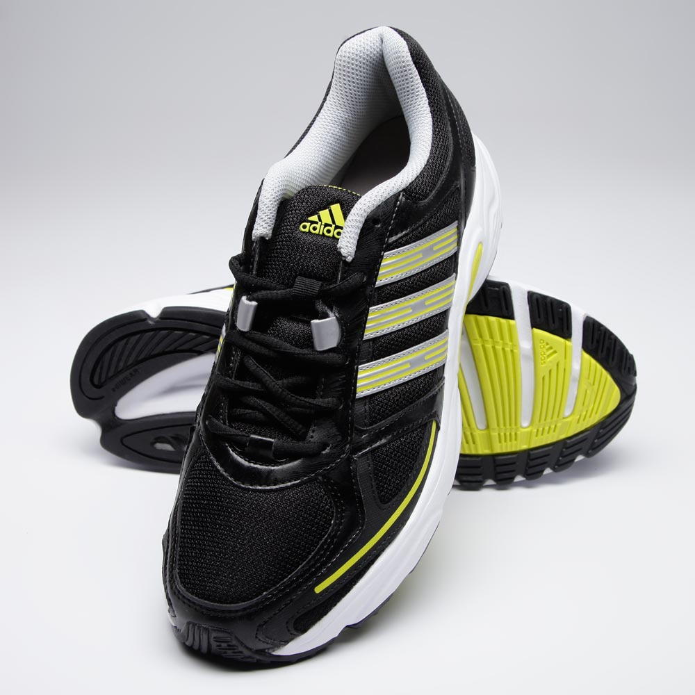 Adidas Running Shoes at Rs.2804