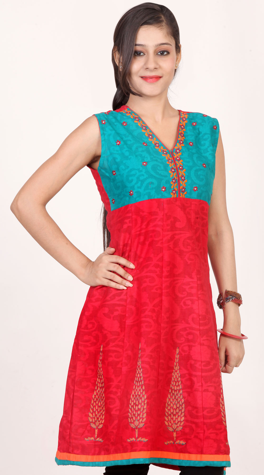 Women Kurtis at Rs.899