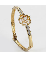 Flower Bracelet at Rs.499