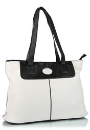 Miss Bennett Handbag at Rs.975