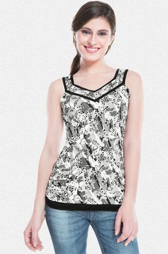 Printed Sleeveless Top at Rs.809