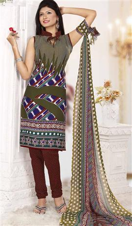 Strollay Green Dress Materials at Rs.449