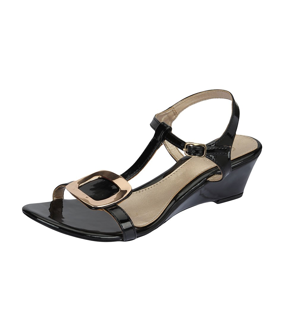 Catwalk Women's Sandals at Rs.799