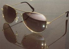 Estivo Aviator Sunglasses at Rs.750