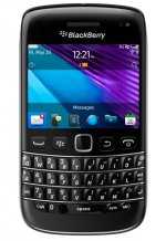 BlackBerry Bold at Rs.23490