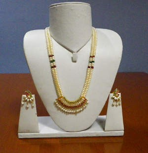 Kundan Pearl Set at Rs.1499