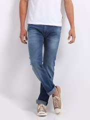 Lee Men Slim Fit Jeans at Rs.2999