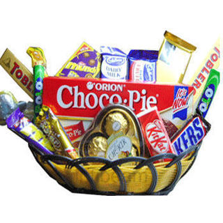 Buy 160gm Choco Basket at Rs.1200