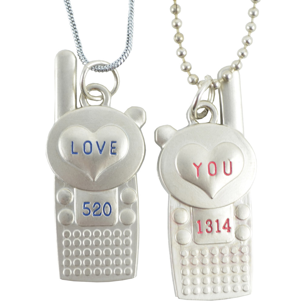 Set of 2 Diovanni Unisex Pendants at Rs.600