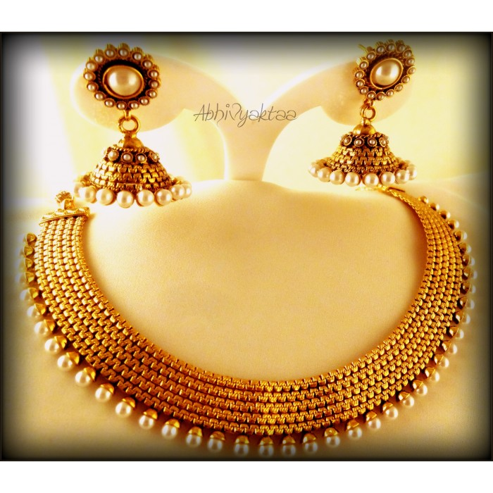Buy Fabulous Classic Pearl Necklace set at Rs.1530