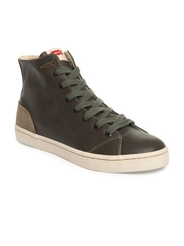 Buy Levis Men Brown Casual Shoes at Rs.2399