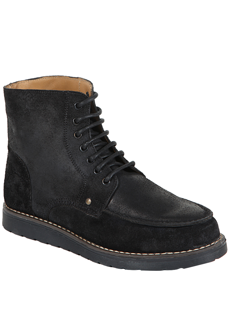 Buy Z Collection Black Boots at Rs.1699
