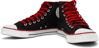 Buy Converse Canvas Shoes at Rs.1399