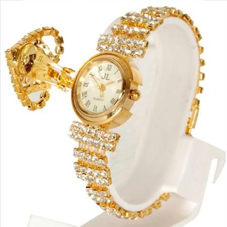 Women's Designer Watch at Rs.250