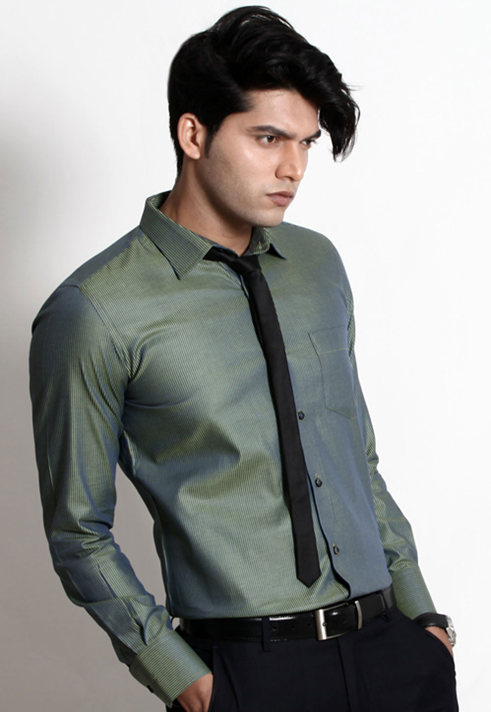 Genesis Cotton Men Formal Shirts at Rs.1249