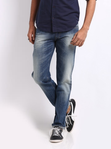 UCB Men Blue Slim Fit Jeans at Rs.1749