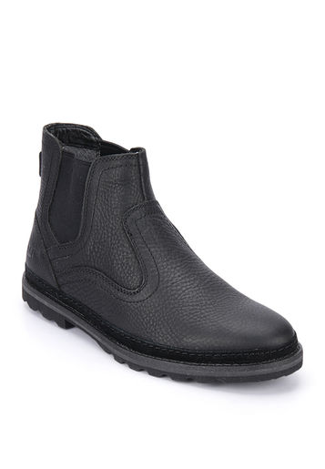 Cat Warnick Black Boots at Rs.4559