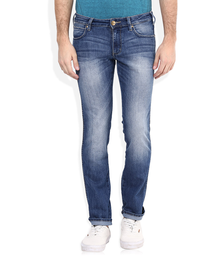 Wrangler slim fit jeans at Rs.1531